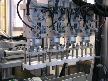 将来は海外可 【製造技術】機械オペレーター 残業月20h程